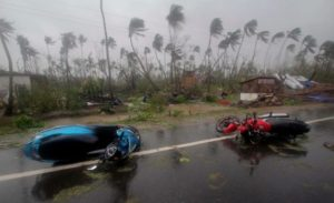 APTOPIX India Cyclone Fani 17646 1 e1556971187921
