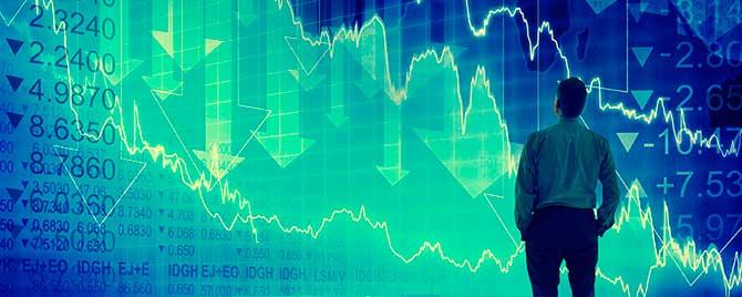 financial crisis concept 670x268 1