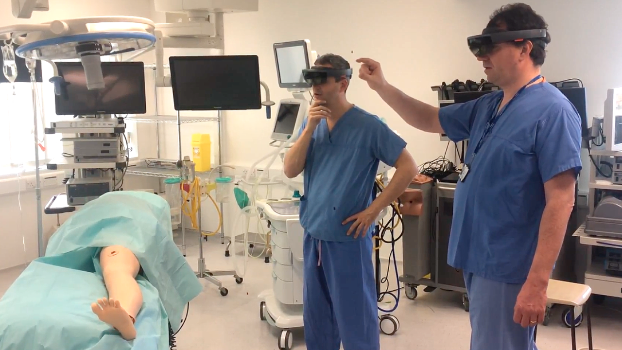 medical hololens mixed reality 1280x720 1